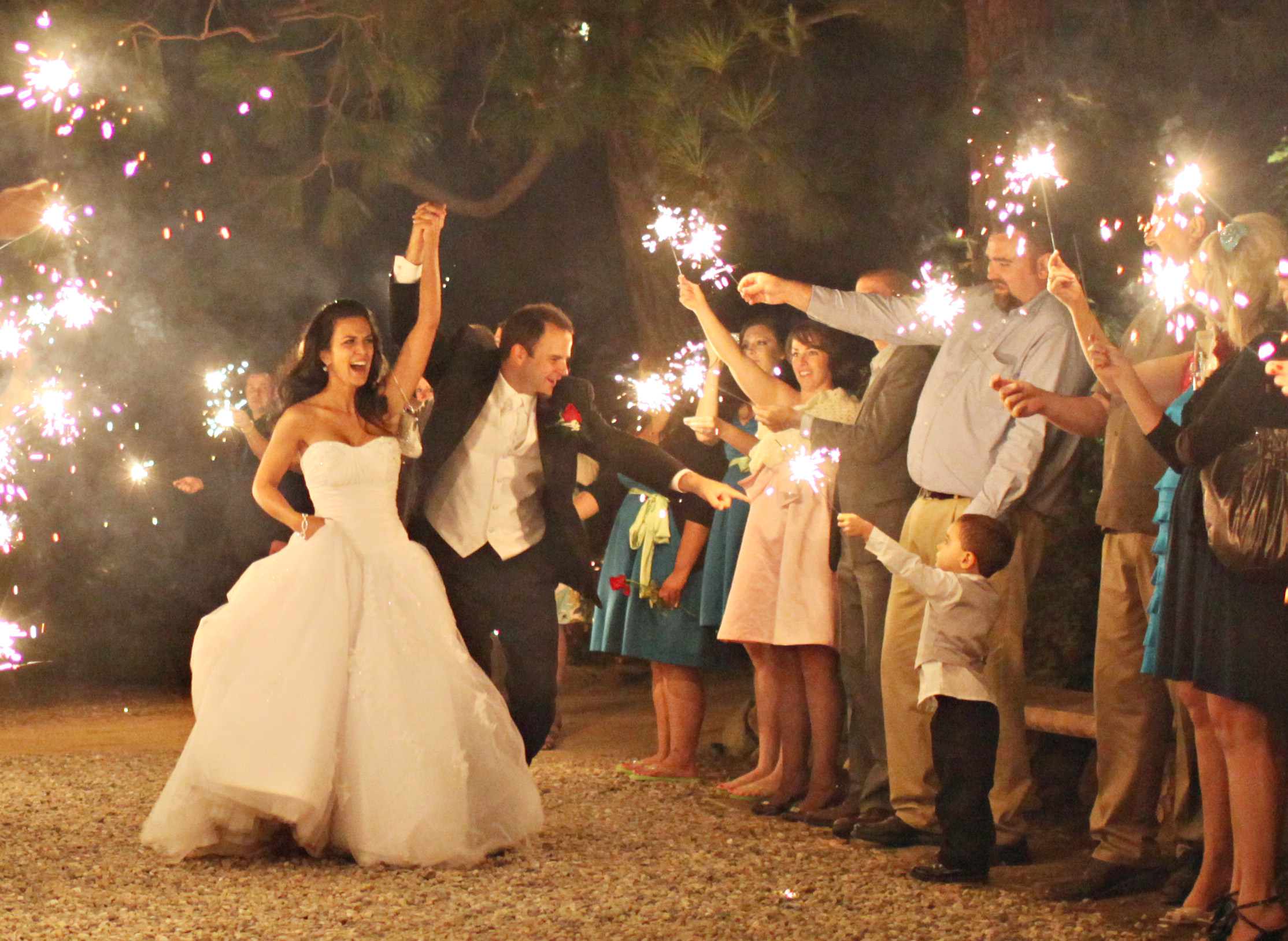Bride And Groom Sparkler Sendoff Photo By Charise Proctor Los Angeles Wedding Dj La Wedding
