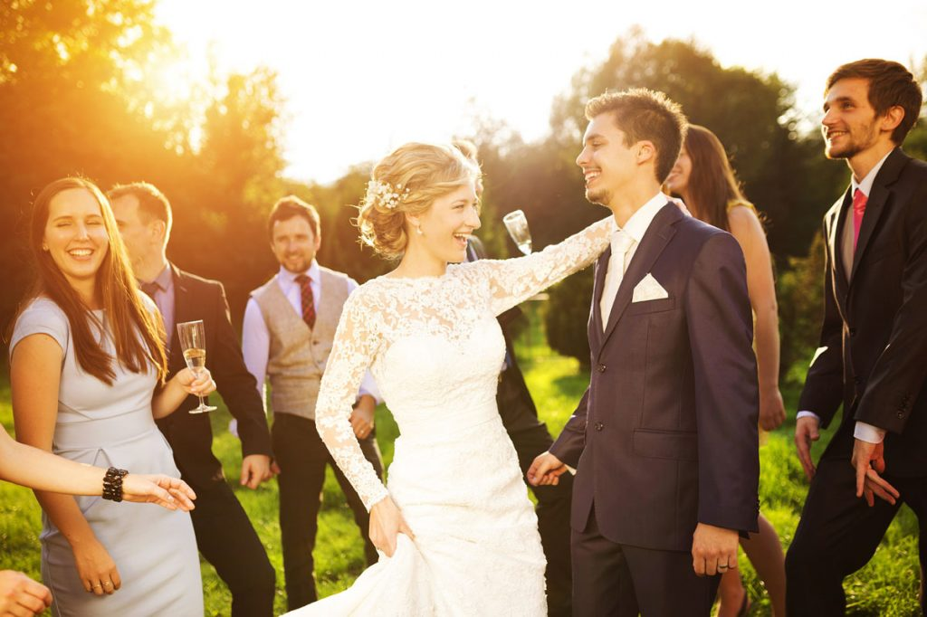 25 Summer Hits New & Old to Get Your Wedding Guests on the Dance Floor